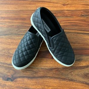 Steve Madden ecentrcq Black Slip Ons size 6 1/2